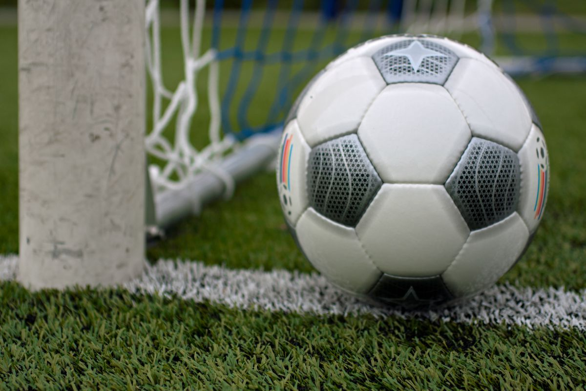 Competities amateurvoetbal stoppen