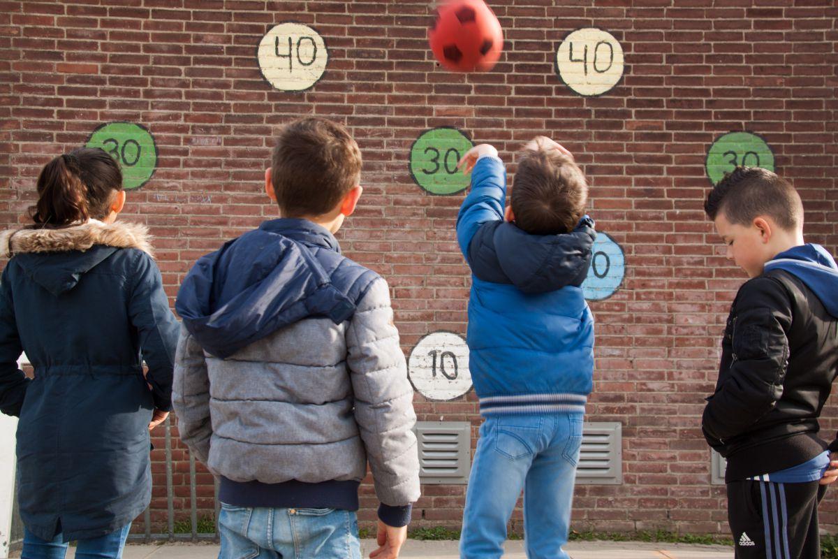 350 basisscholen in Gelderland doen mee aan de Nationale Buitenlesdag